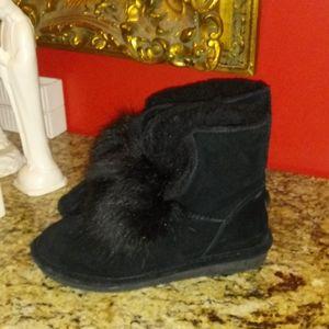 1122 BearPaw Libby Pom Pom Boots - AS IS